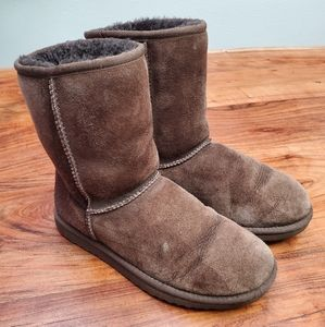 UGG Classic Short Style Brown Boots 9W